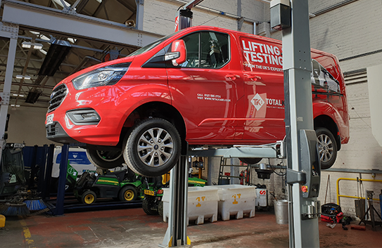 Lifting light commercial vehicles - what solution is best